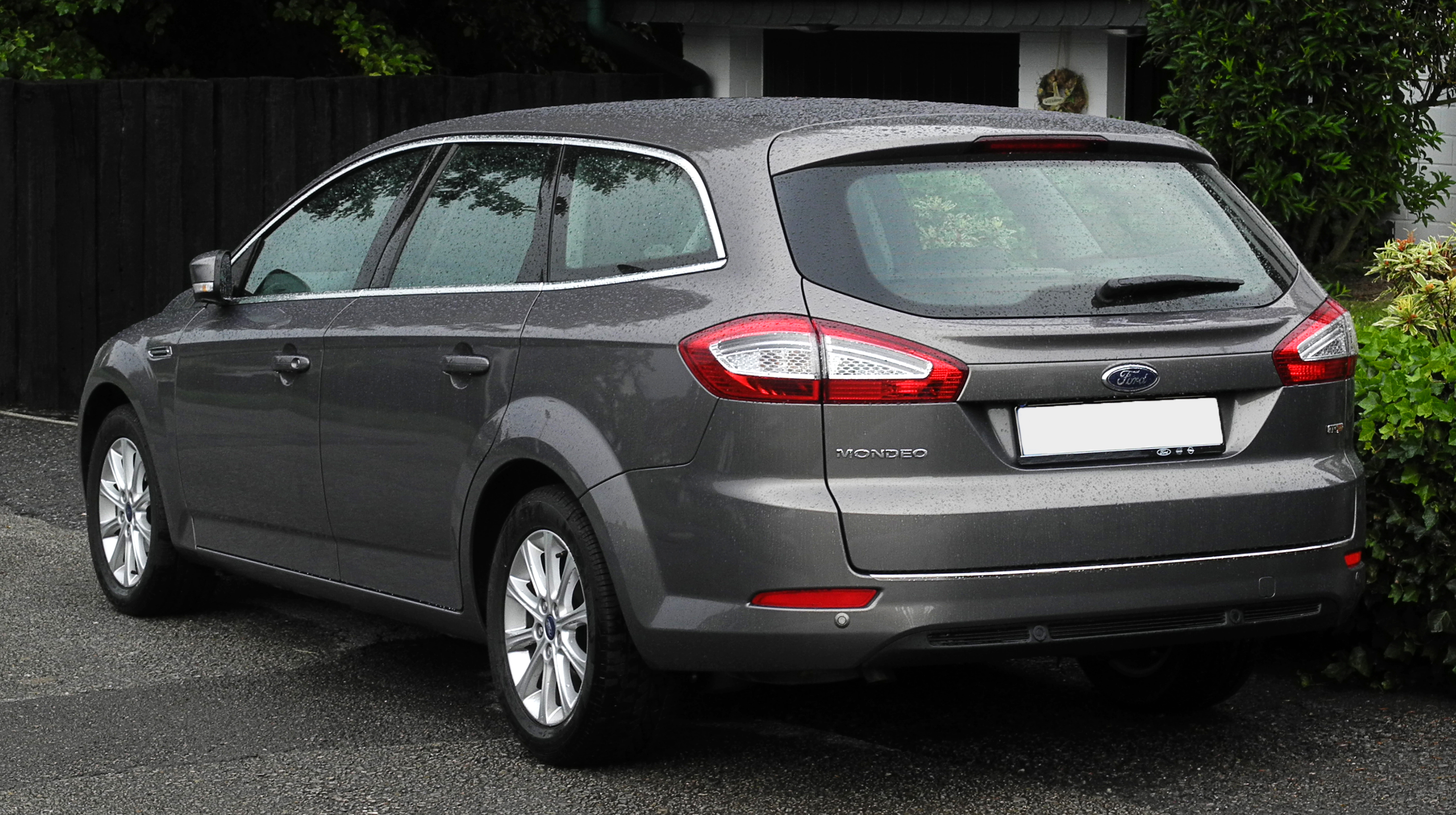 The 10 Best Used Cars With Big Boots With Available Space In Litres