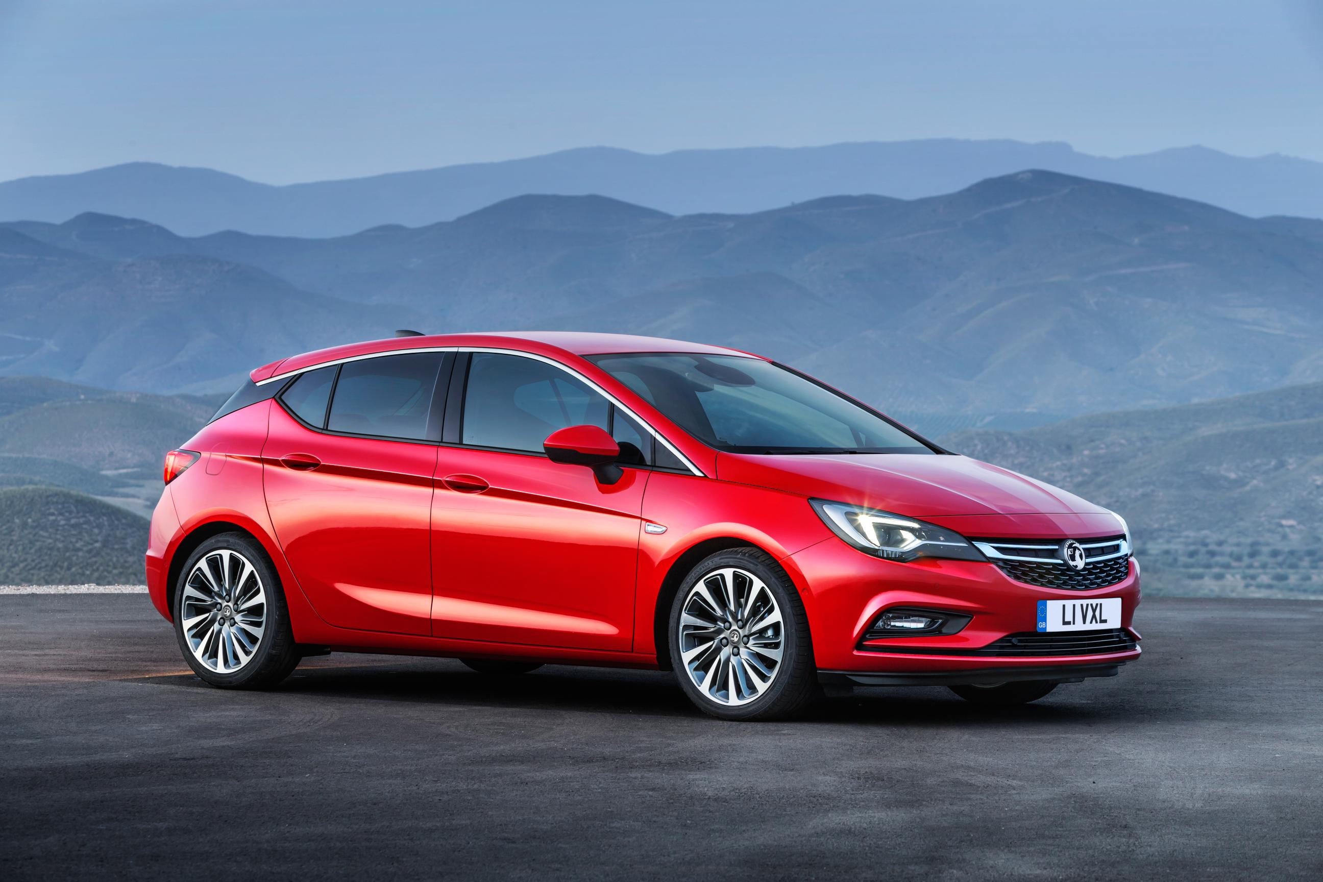 Vauxhall Astra Red side on view