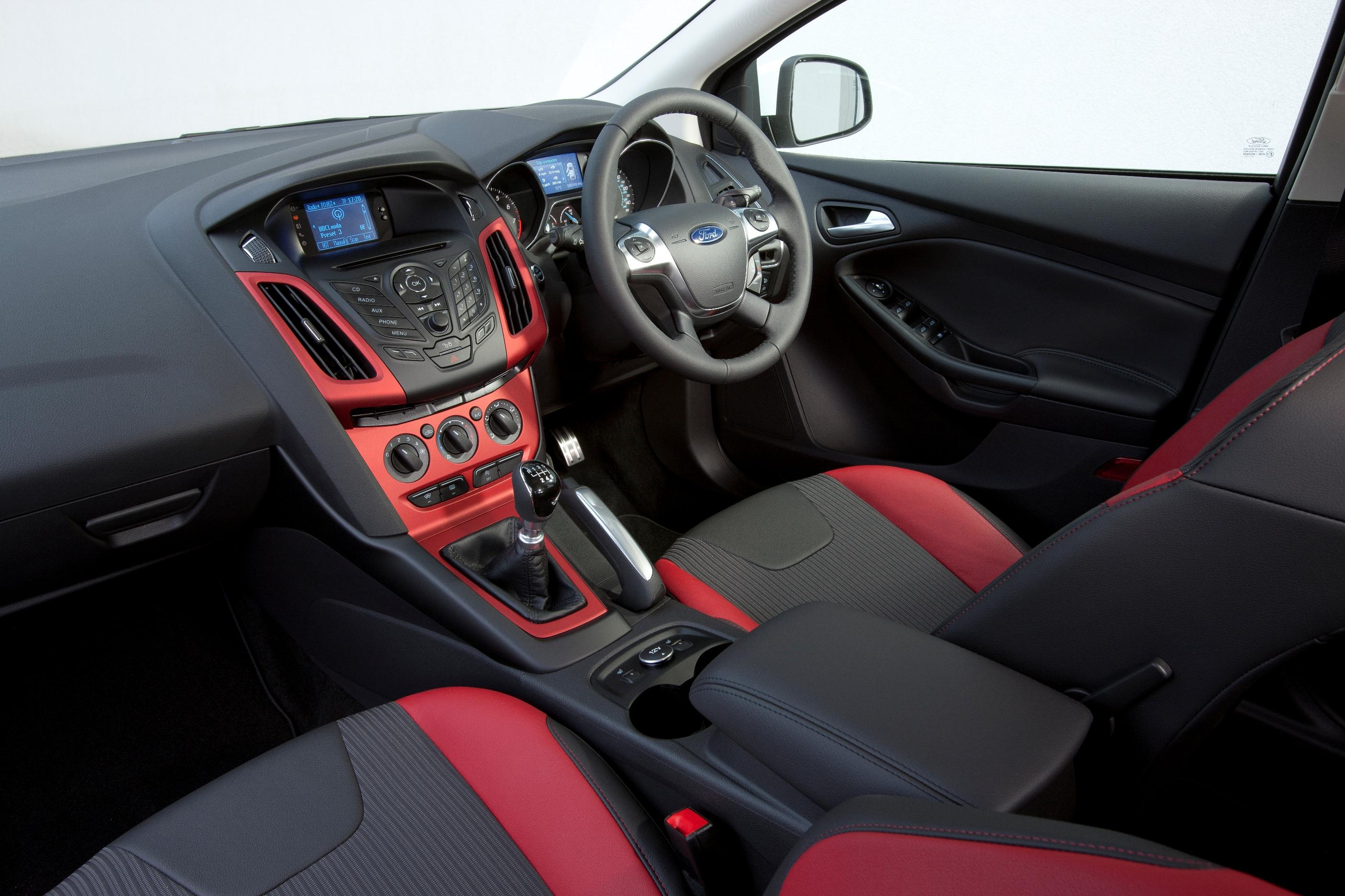 Ford Focus interior red and black