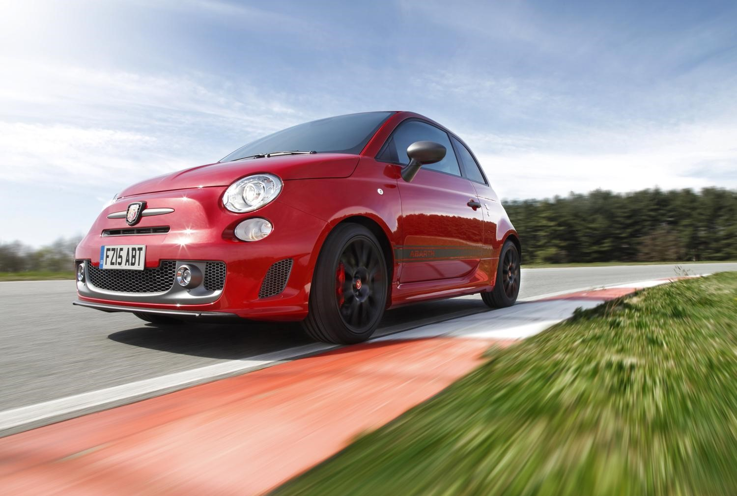 Abarth 595 in red