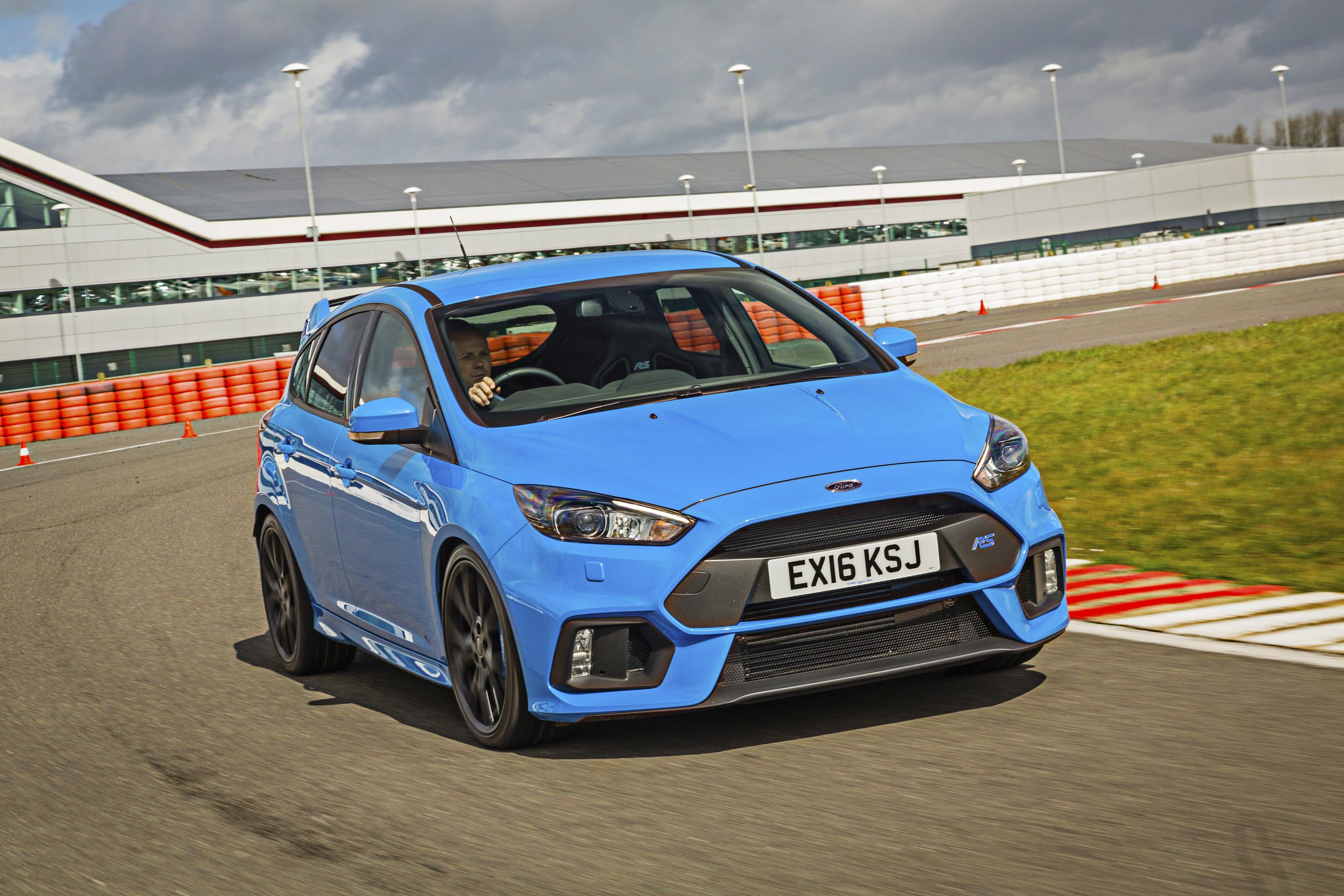 Ford Focus RS in blue