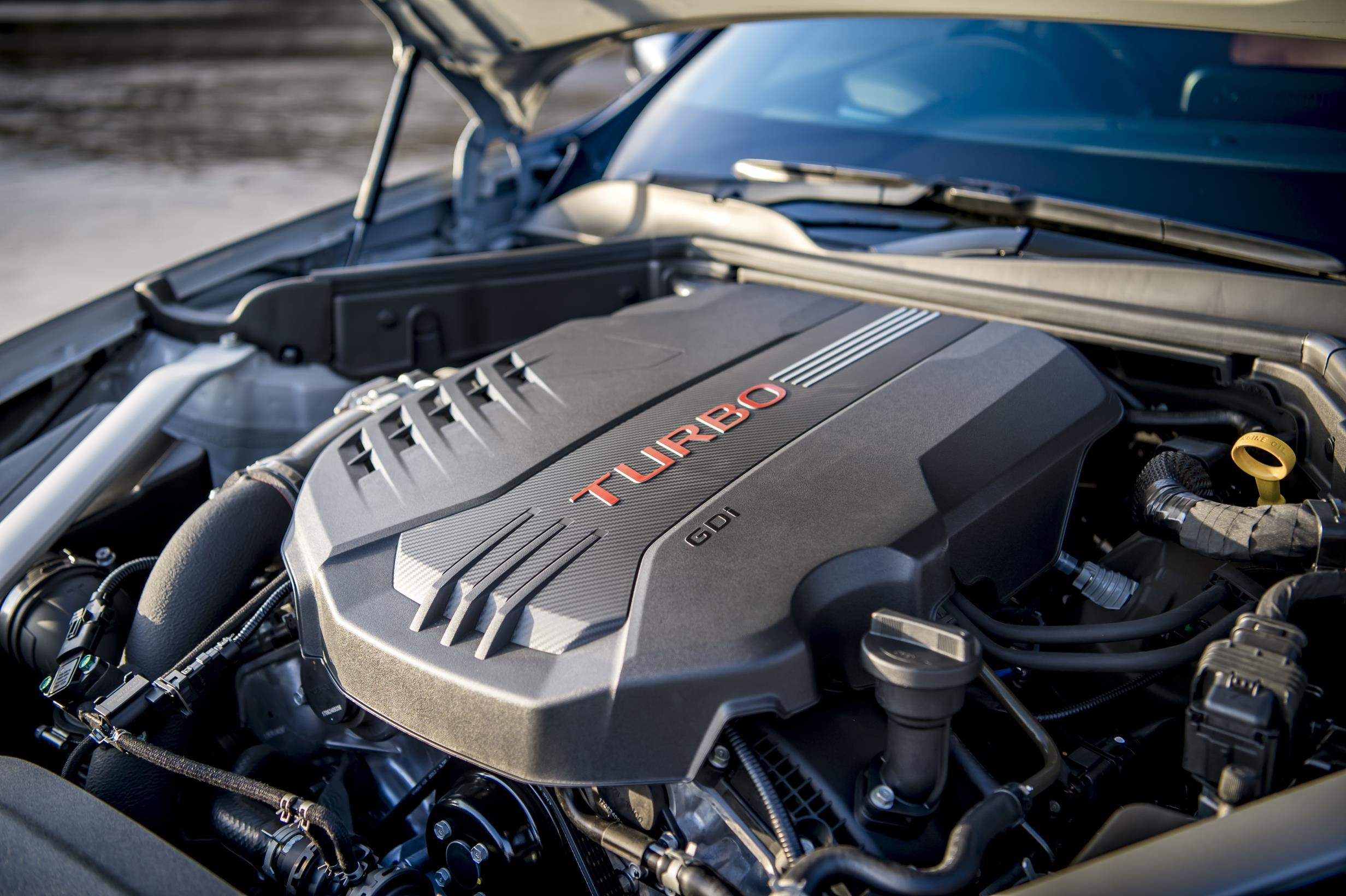 Kia Stinger turbo engine