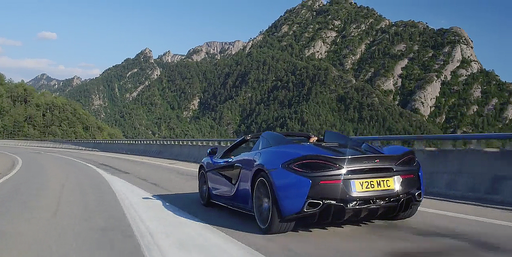 McLaren 570S Blue on Tour