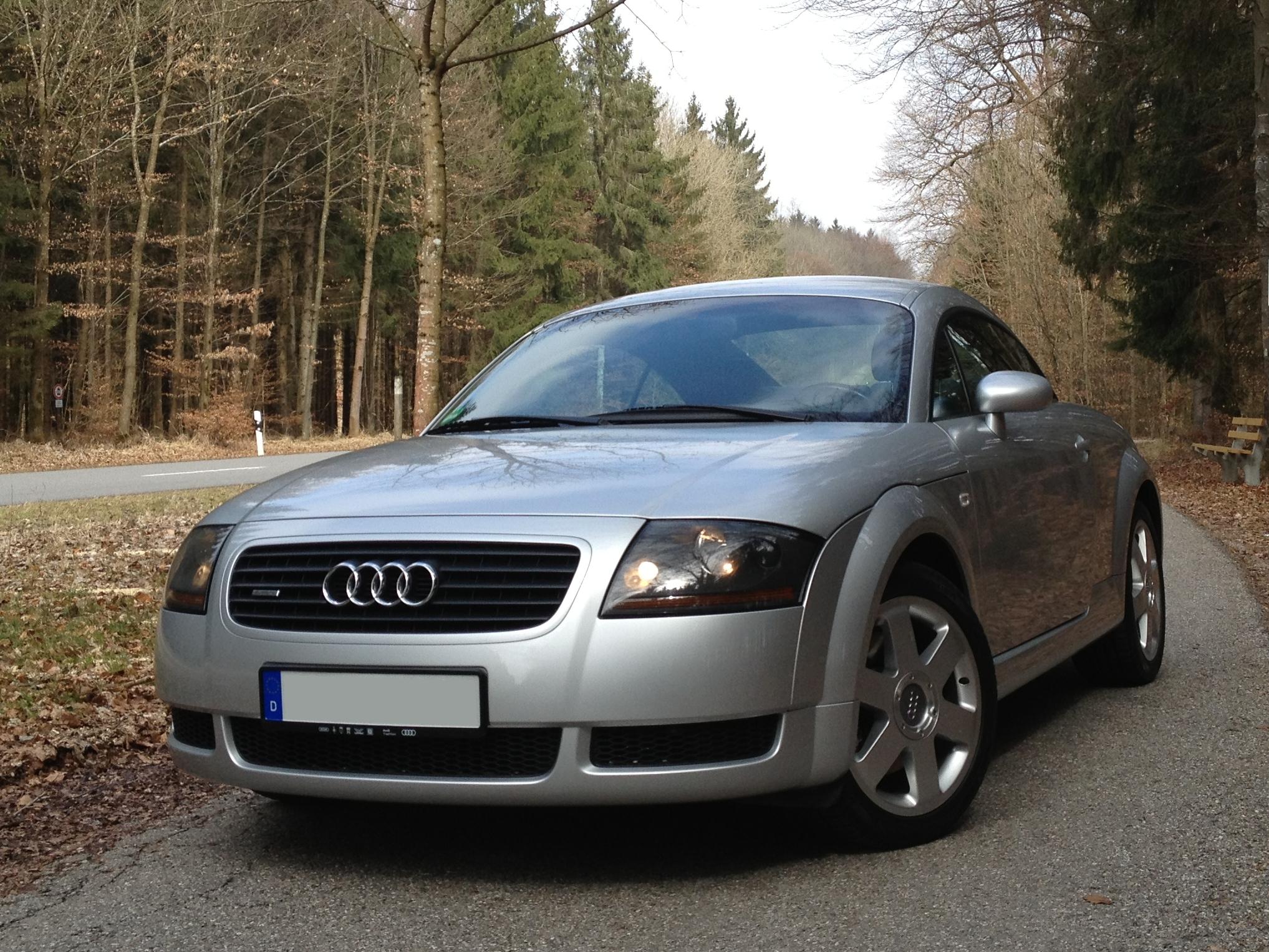 Audi TT 1.8T Quattro 2000 silver