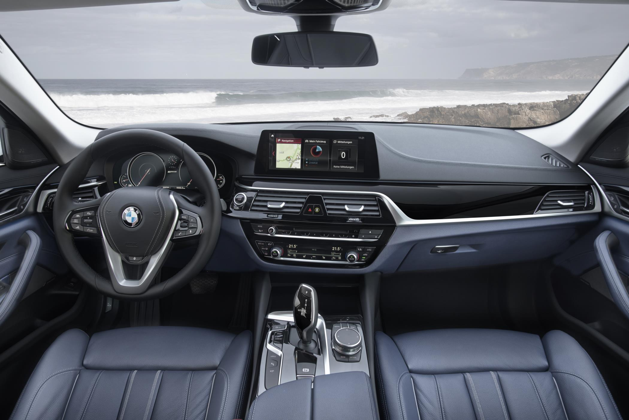 BMW 5 Series front cabin