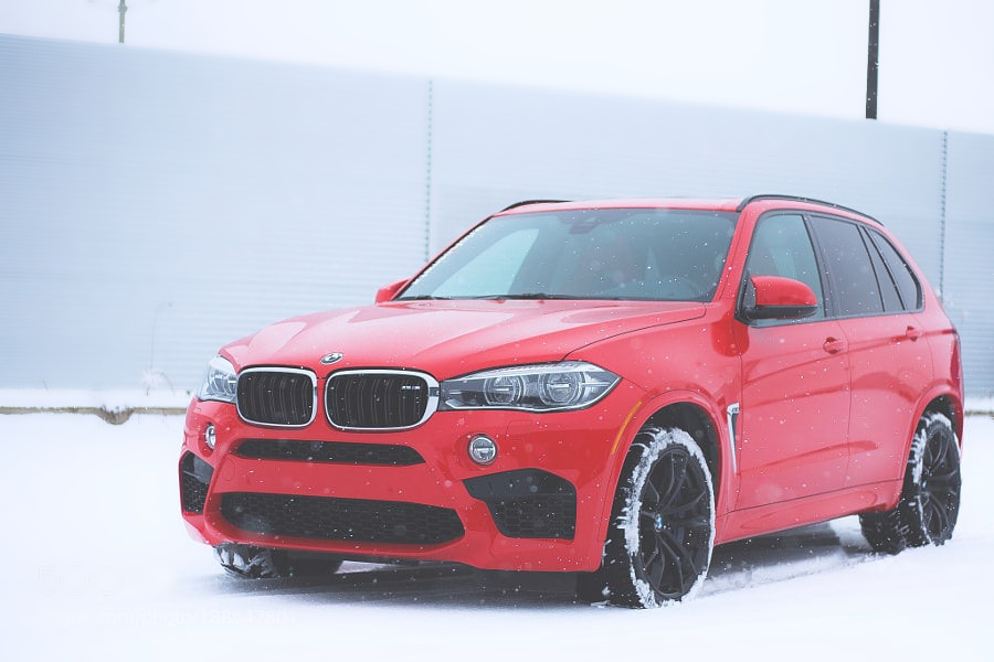 BMW X5 M in snow